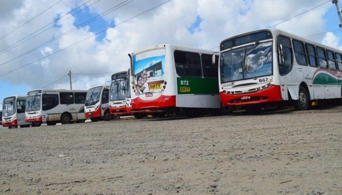 Empresas alegam falta de recursos para abastecer os veículos. Foto: Ed Santos/Acorda Cidade.