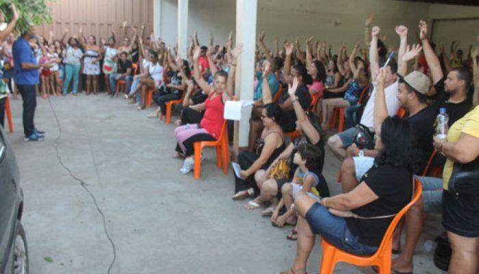 Em assembleia falaram sobre a última rodada de negociações, quando o prefeito não atendeu as reivindicações da categoria (Foto: Divulgação / Brumado Notícias)