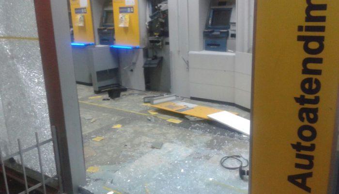Ainda não há informações se bandidos levaram algum valor. Foto: Leitor/Via WhatsApp.