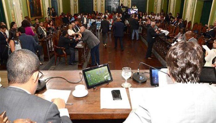 Aprovados também pontos do regimento interno. Foto: Antonio Queirós/Câmara Municipal de Salvador.