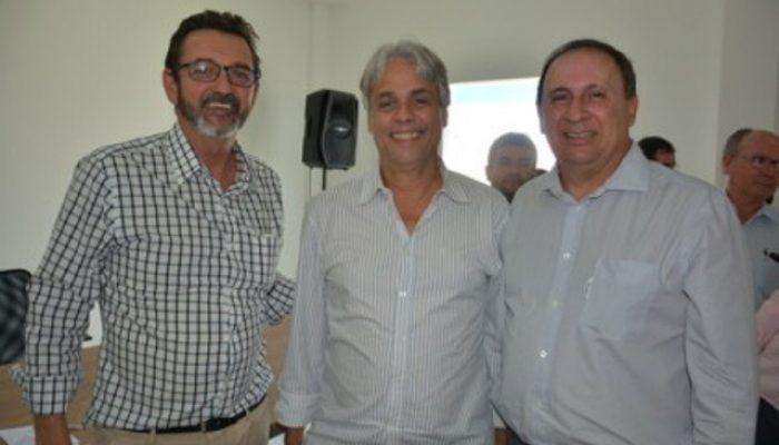 José Caires, Onildo Filho e João Gualberto.