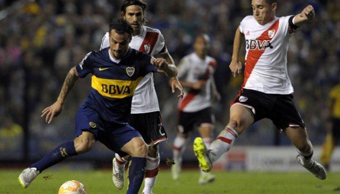Jogadores do River Plate foram atingidos por gás de pimenta na volta do intervalo