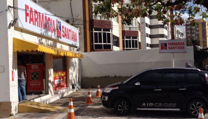 Farmácia fica na Rua Arthur de Azevedo Machado. Foto: Juarez Soares.