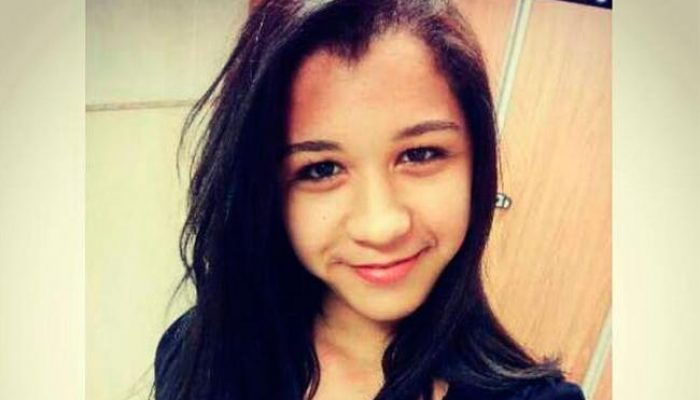 Daniela Magalhães foi morta enquanto passava de moto com o namorado. Foto: Reprodução/Facebook.