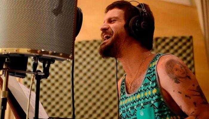 Segunda vez que Saulo lança disco em show ao vivo na rede. Foto: Divulgação/Rogério Menezes.