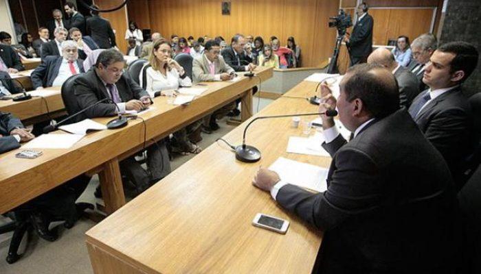 Comissão Mista da Assembleia Legislativa leu o relatório sobre o projeto nesta quarta (14). Foto: Luciano da Matta.