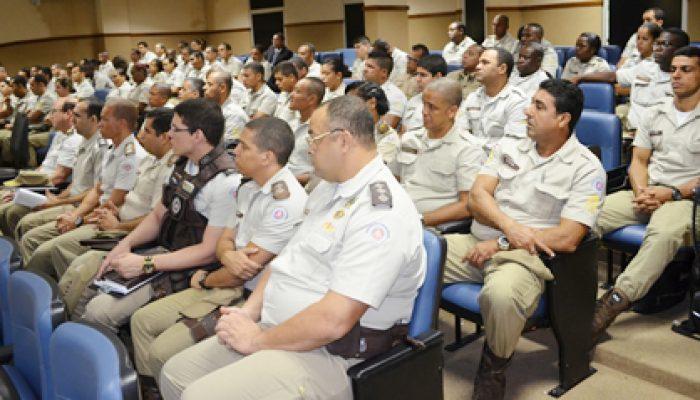 Policiais participam de aula inaugural. Foto: Assessoria/PM.