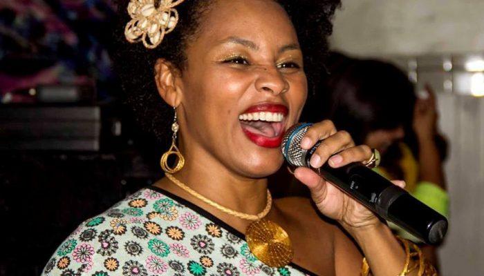 Trabalho da cantora está sendo bem recedido no Rio.