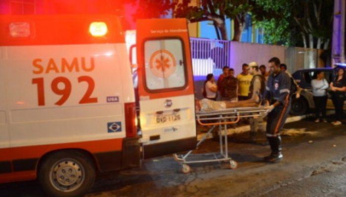 Vítima foi levada para o Hospital Geral de Vitória da Conquista. Foto: Blog do Anderson.