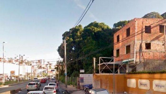 A.S.S.B estava na casa da avó quando por volta das 11h30, vários homens armados invadiram a residência e retiraram ela de dentro do imóvel. (Foto: Reprodução   Google Street View)
