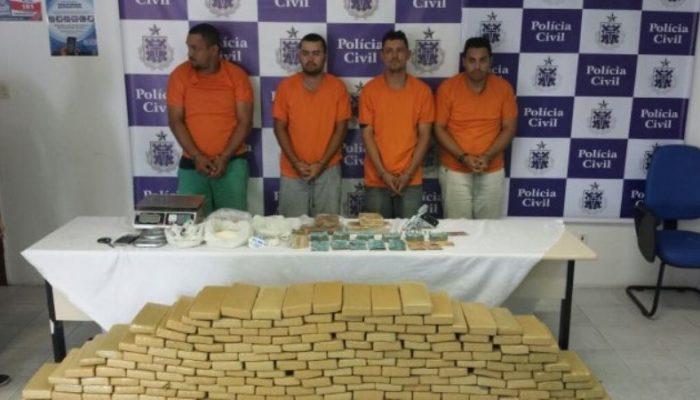 A operação resultou na prisão de quatro pessoas e apreensão de mais de 300 kg de drogas em Feira de Santana (Foto: Reprodução / Polícia Civil) (Foto: Reprodução / Polícia Civil)