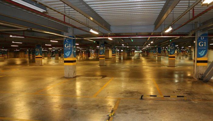 A cobrança de estacionamento pelos shoppings foi um desafio para a prefeitura