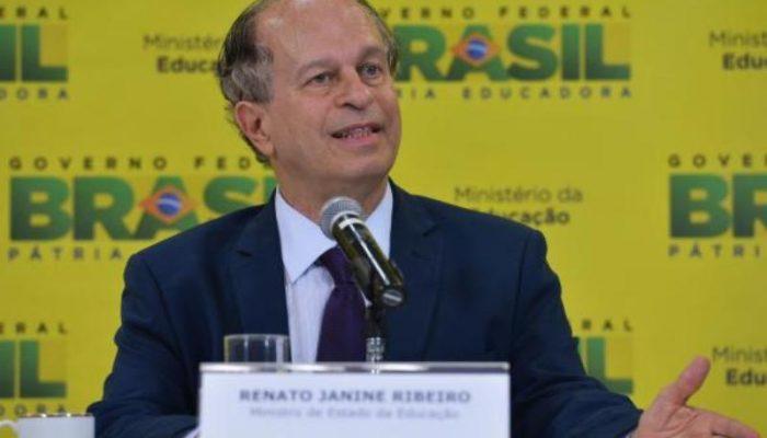 Renato Janine afirma que sempre faltou no país uma base ética para se discutir política. Foto: Valter Campanato/Agência Brasil