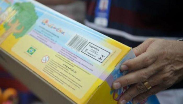 Verificar se o produto tem o selo do Inmetro é um dos cuidados que os pais devem ter ao comprar brinquedos para o Dia da Criança. Foto: Arquivo/Agência Brasil