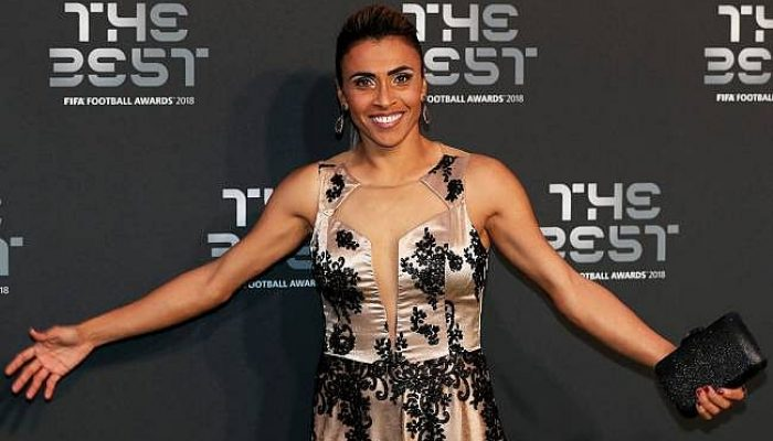 Marta liderou a seleção brasileira ao título do último sul-americano feminino  (Foto: Reprodução / TNH1)