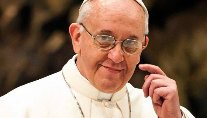 O papa refletiu sobre assuntos como a proteção do meio ambiente, a igualdade com as mulheres, a exploração laboral e o diálogo inter-religioso para fomentar a paz. (Foto: Reprodução/ Pragmatismo Político)