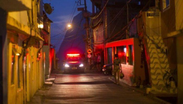 Sensação de segurança do brasileiro ao sair de casa à noite é muito mais baixa do que em outros países. Foto: Reprodução/BBC Brasil