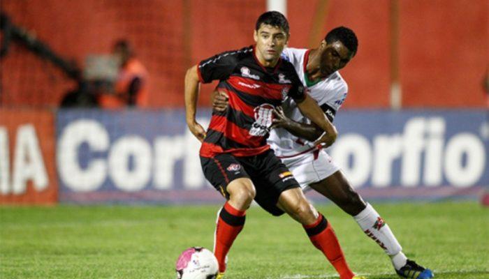 Vencer o Boa Esporte por 2 a 1 e fez diminuir para apenas um ponto a diferença para o líder Botafogo.  (Foto: Reprodução)